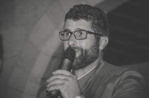 Pedro Ferrer hablando